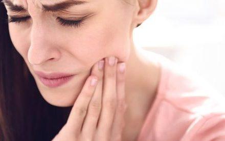 Что вызывает боль в челюсти?