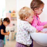 Как приучать ребенка к самообслуживанию